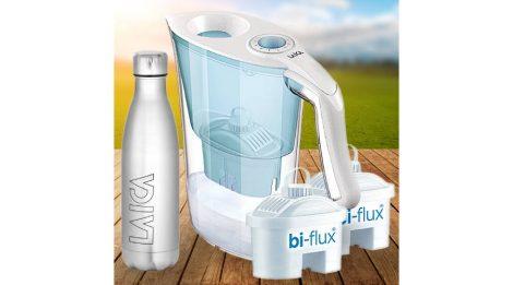 LAICA Aida kék vízszűrő kancsó mechanikus kijelzővel, 3 db bi-flux univerzális szűrőbetéttel és AJÁNDÉK LAICA sport palackkal